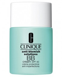 Gegen unreine Haut Anti-Blemish Solutions BB Cream SPF 40 Typ 3,4