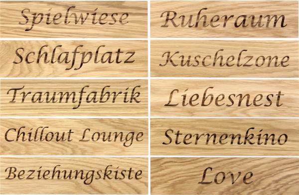 Holz Gravuren Schriftzüge Wandverkleidung