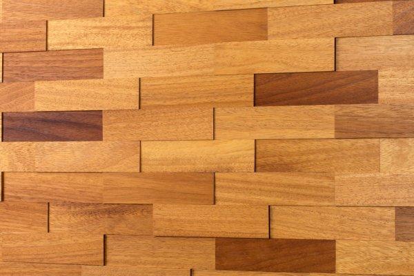 Holz Wandverkleidung Iroko dunkel rot braun gelb