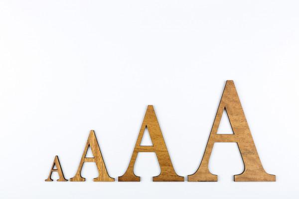 Holzbuchstaben Iroko